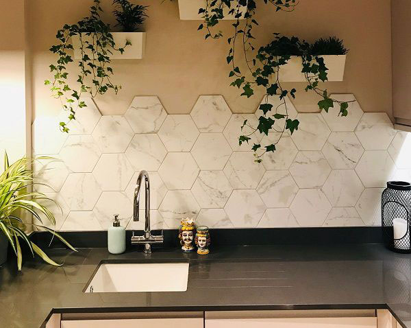 Mãn nhãn với TOP mẫu gạch ốp bếp lục giác đẹp ấn tượng 5